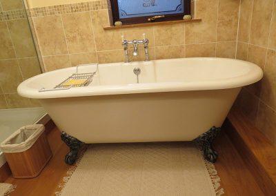 Roll Top Bath Tub with Cast Iron Feet