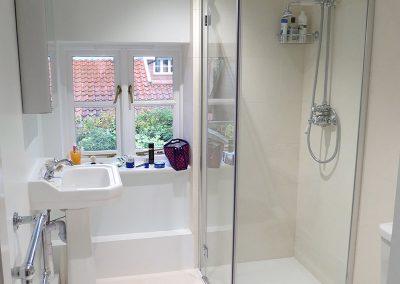 Modern Bathroom with a Vintage Twist