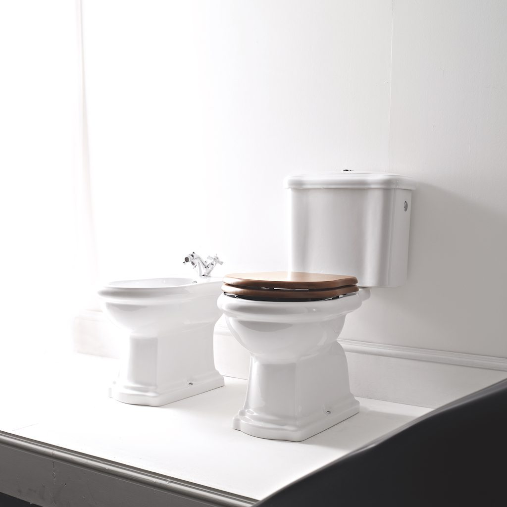 Continental Style Retro Bidet Finished In Brilliant White Ofb