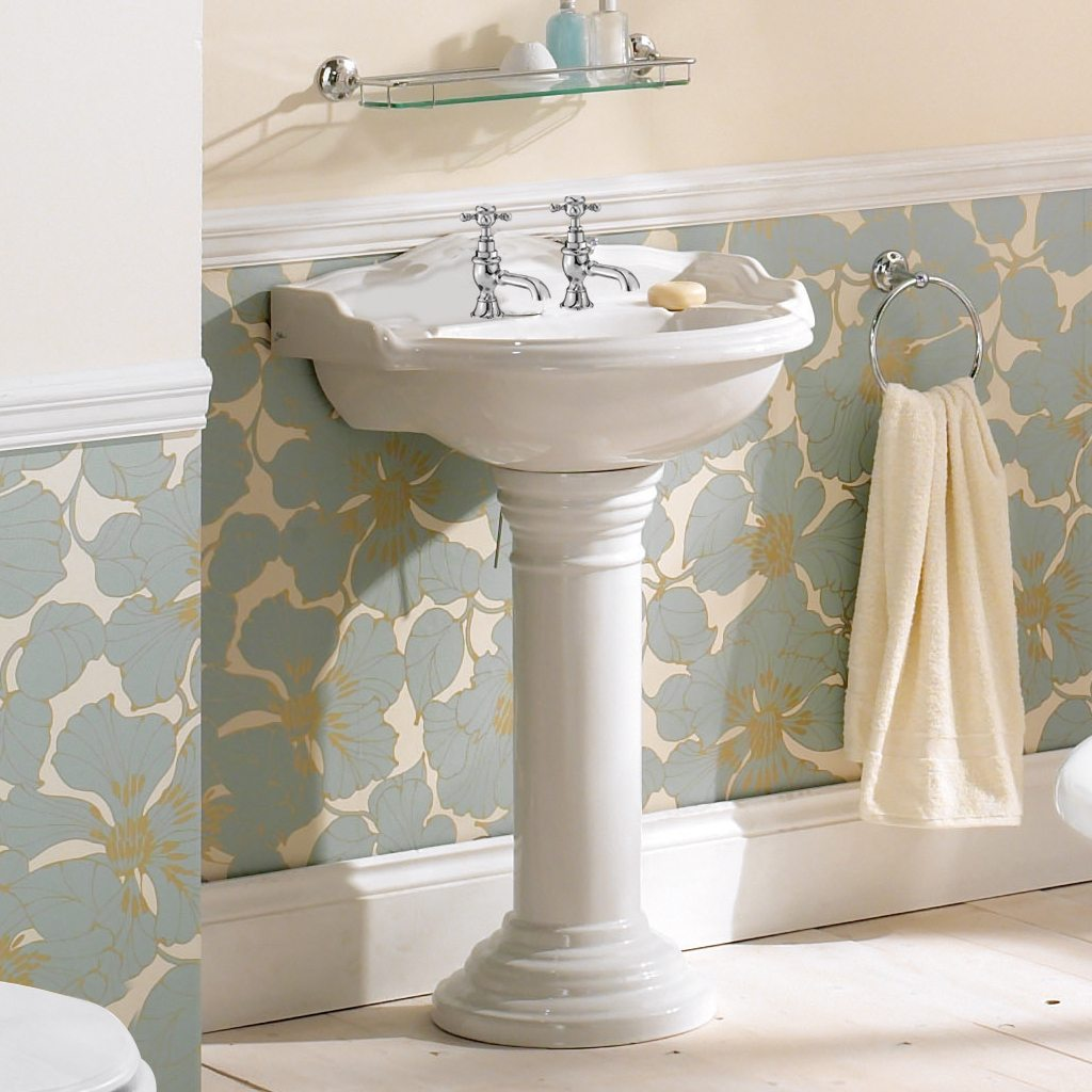 Traditional English basin and pedestal by Old Fashioned Bathrooms